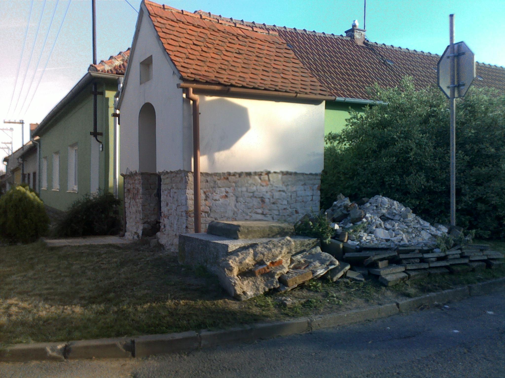 Obec_Letonice_-_rekonstrukce_kapličky_sv.Floriána